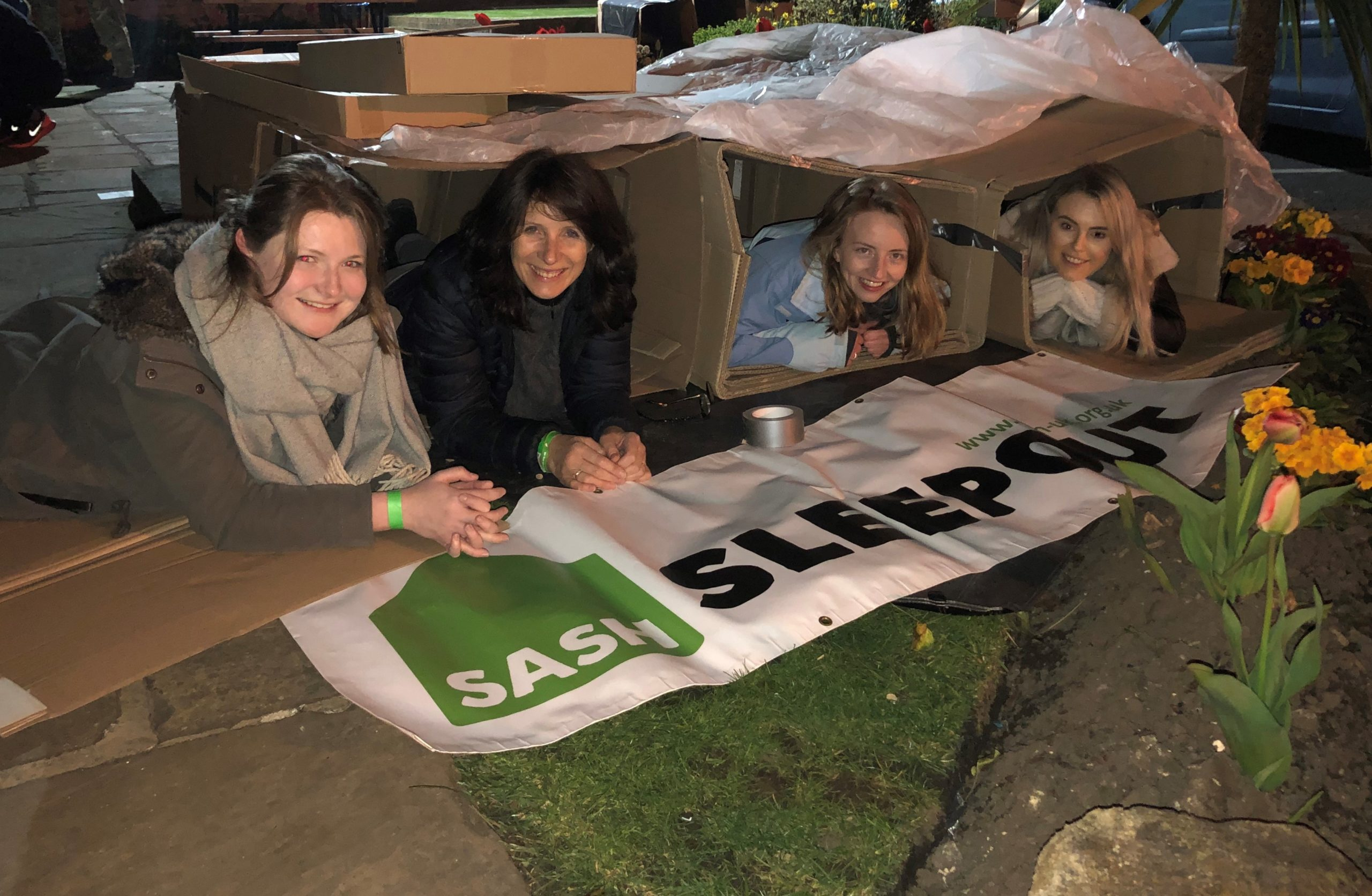 Intandem-team-in-shelter-boxes-for-sash-sleepout